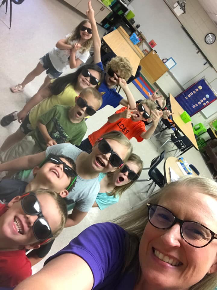 Mrs. Caldwell's Rock Star Readers finished out the year with bright futures ahead! 🤩😎